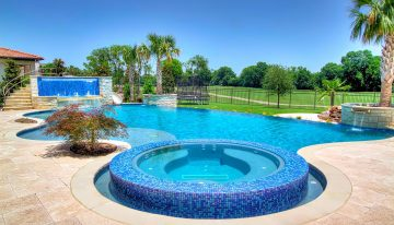 Perfect and Luxurious Swimming Pool For a Dream Home