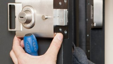 Why should you work with a professional locksmith?